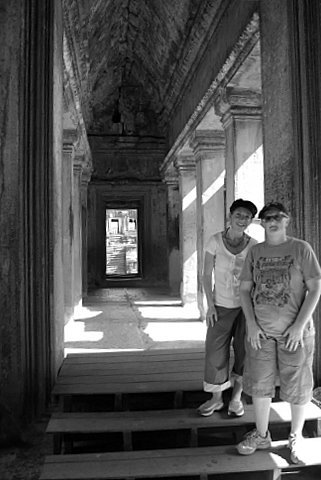 Kate_and_i_angkor_wat